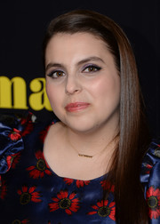 Beanie Feldstein chose a beautiful shade of purple for her lids.