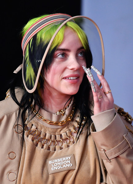Billie Eilish's plaid mani was the perfect finishing touch to her Burberry ensemble at the 2020 BRIT Awards.