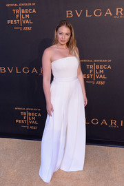 Iskra Lawrence donned a strapless white jumpsuit by Brandon Maxwell for the BVLGARI world premiere screening at Tribeca.