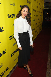 Eiza Gonzalez attended the SXSW premiere of 'Baby Driver' wearing a vintage-chic white button-down shirt by Michael Kors.