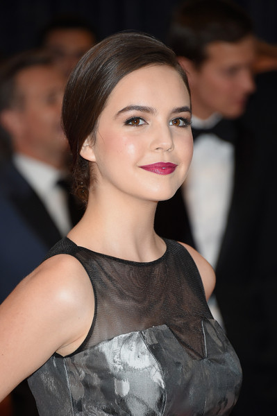 Bailee Madison Chignon
