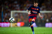 Lionel Messi of FC Barcelona makes a pass during the Spanish Super Cup second leg match between FC Barcelona and Athletic Club at Camp Nou on August 17, 2015 in Barcelona, Spain.