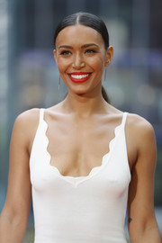 Ilfenesh Hadera sported a sleek center-parted ponytail at the 'Baywatch' photocall in Berlin.
