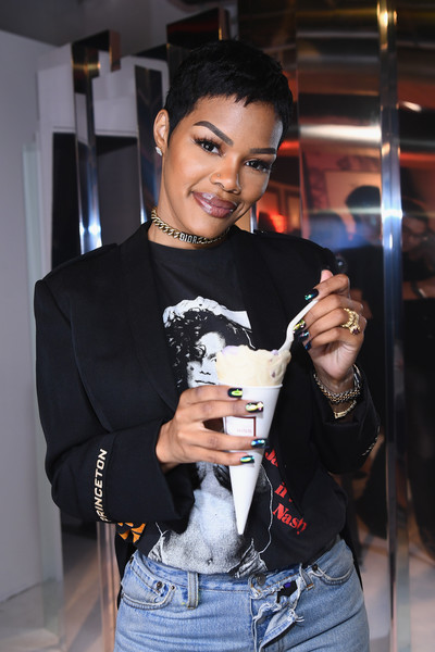 Teyana Taylor gave us mani envy with her iridescent nails at the Beauty Bar by KISS event.