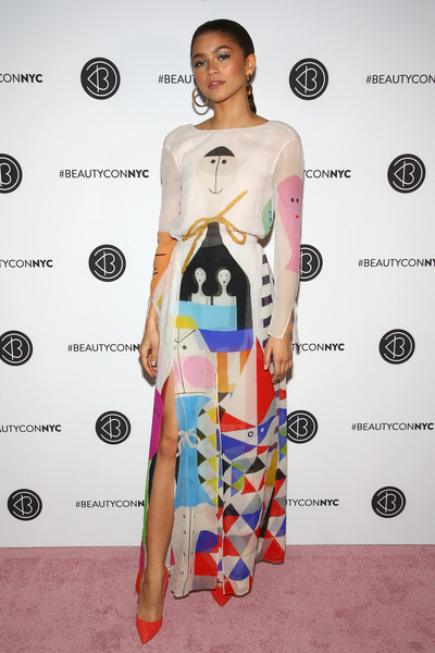 Zendaya Coleman looked like a walking work of art in this printed maxi dress by Akris at Beautycon Festival NYC 2018.