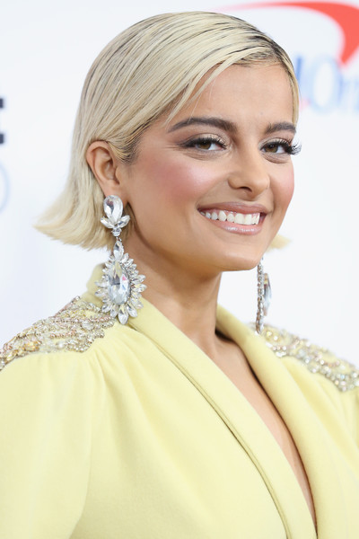 Bebe Rexha Side Parted Straight Cut [jingle ball 2018,hair,face,hairstyle,eyebrow,blond,shoulder,skin,chin,lip,beauty,bebe rexha,hair,hairstyle,face,eyebrow,room,madison square garden,z100,page six,bebe rexha,jingle ball,madison square garden,grammy awards,celebrity,actor,page six,demi lovato]