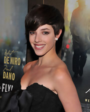 Olivia Thirlby attended a screening of 'Being Flynn' wearing her short layered 'do with sweet side-swept bangs.