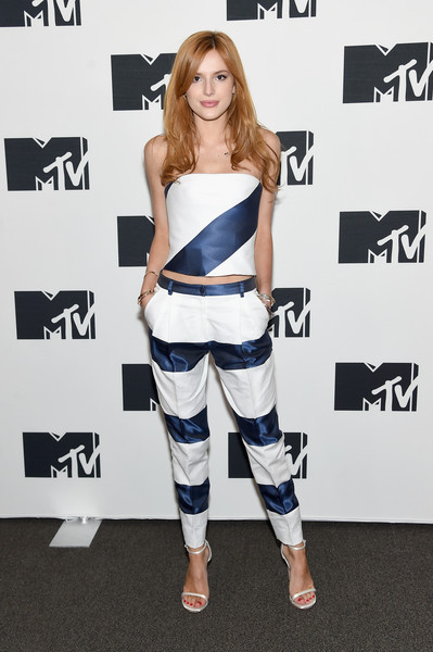 Bella Thorne Clothes