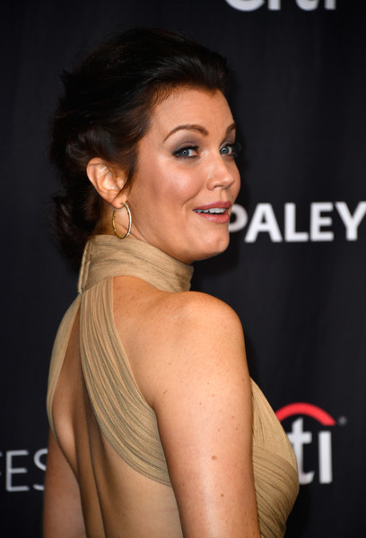 Bellamy Young Chignon [scandal,hair,hairstyle,eyebrow,shoulder,beauty,chin,premiere,dress,smile,eyelash,bellamy young,arrivals,panel,los angeles,dolby theatre,california,paley center for media,paleyfest,screening]