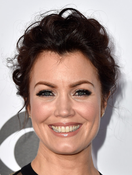 Bellamy Young Messy Updo [hair,face,eyebrow,hairstyle,chin,lip,forehead,head,nose,beauty,peoples choice awards,part,california,los angeles,nokia theatre la live,arrivals,bellamy young]