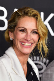 Julia Roberts looked glamorous with her loose bun at the New York premiere of 'Ben is Back.'