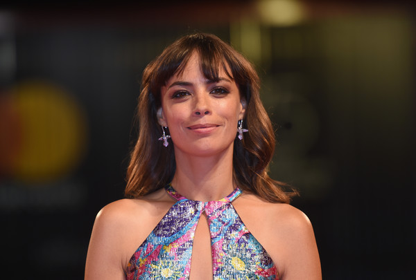 Berenice Bejo Medium Wavy Cut with Bangs