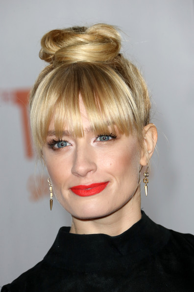 Beth Behrs Hair Knot