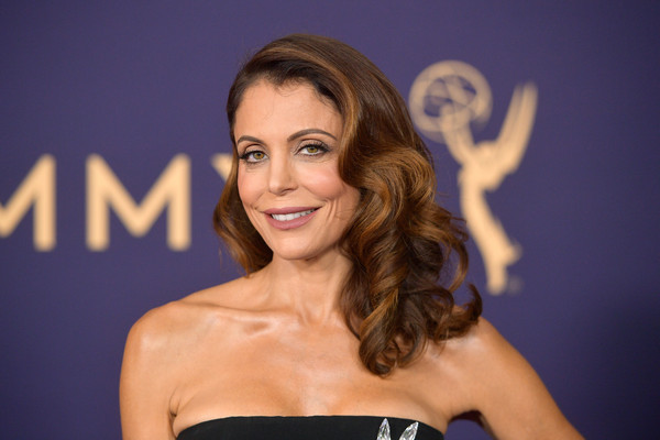 Bethenny Frankel Long Curls [hair,face,beauty,hairstyle,smile,blond,brown hair,electric blue,long hair,model,arrivals,bethenny frankel,emmy awards,microsoft theater,los angeles,california]