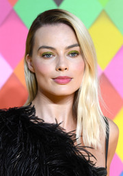 Margot Robbie went for a simple straight hairstyle at the world premiere of 'Birds of Prey: And the Fantabulous Emancipation Of One Harley Quinn.'