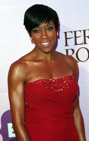 Regina King attended Black Girls Rock 2011 wearing a sexy red strapless dress and super sultry smoky eye makeup.