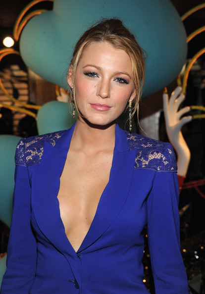 Blake Lively Metallic Eyeshadow