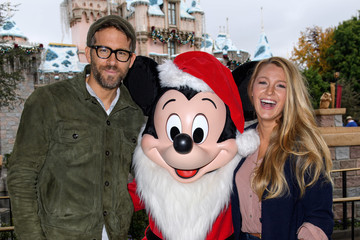 Blake Lively Ryan Reynolds Ryan Reynolds and Blake Lively Celebrate the Holidays at Disneyland