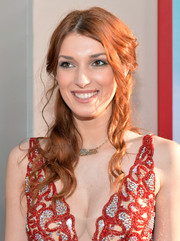 Dani Thorne attended the 'Blended' premiere wearing a messy-sexy half-up 'do.