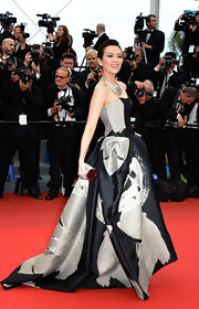 Zhang's strapless gown had an elegant old-Hollywood look to it with its fitted corset top and structures skirt.