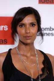 Padma Lakshmi's layered diamond necklace gave her look a '20s feel.