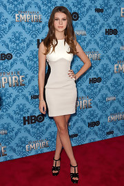 Nicola Peltz looked mod in a white, gray, and black mini dress at the 'Boardwalk Empire' Season 2 premiere.