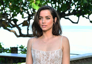 Ana de Armas kept it simple with this lob at the 'Bond 25' film launch.