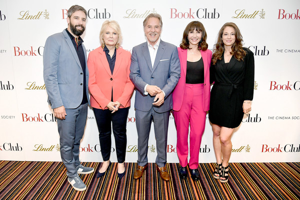 More Pics of Candice Bergen Layered Razor Cut (1 of 6) - Candice Bergen Lookbook - StyleBistro [red,green,yellow,fashion,event,award,carpet,fashion design,team,tourism,bill holderman,erin simms,director,actors,don johnson,book club,l-r,new york,screening,screening]