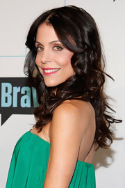 Bethenny Frankel hit the red carpet at Bravo Upfront 2012 wearing her shiny locks in cascading curls.