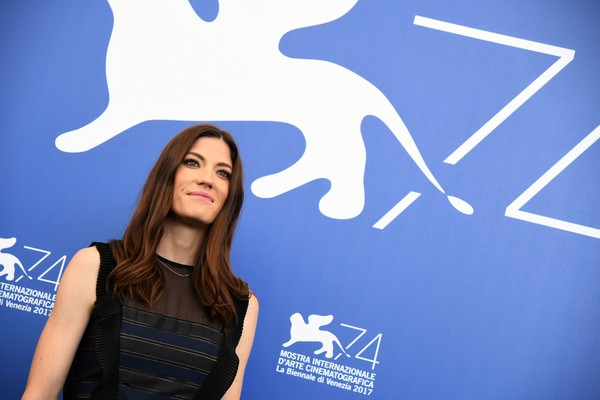 More Pics of Jennifer Carpenter Long Wavy Cut (5 of 24) - Jennifer Carpenter Lookbook - StyleBistro