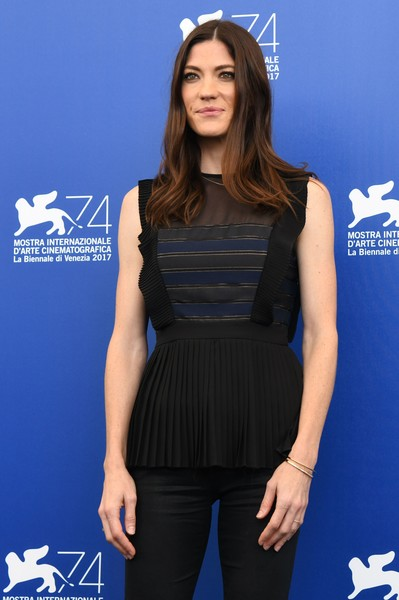 More Pics of Jennifer Carpenter Long Wavy Cut (7 of 24) - Jennifer Carpenter Lookbook - StyleBistro