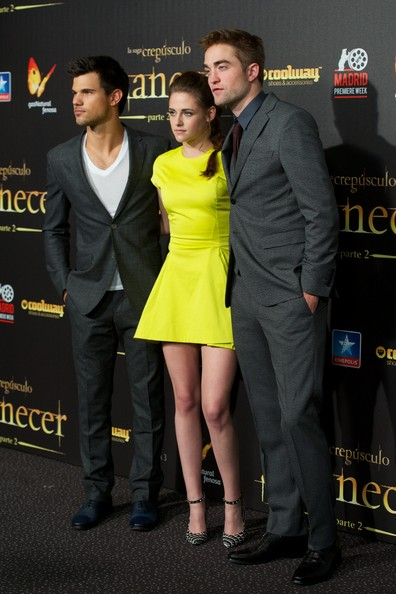 More Pics of Kristen Stewart Cocktail Dress (1 of 41) - Kristen Stewart Lookbook - StyleBistro