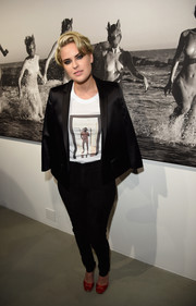 Tallulah Willis opted for a sleek black pantsuit teamed with a graphic tee when she attended Brian Bowen Smith's Wildlife show.