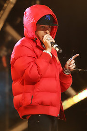 It would be hard to miss Dappy with his bright red puffer jacket!