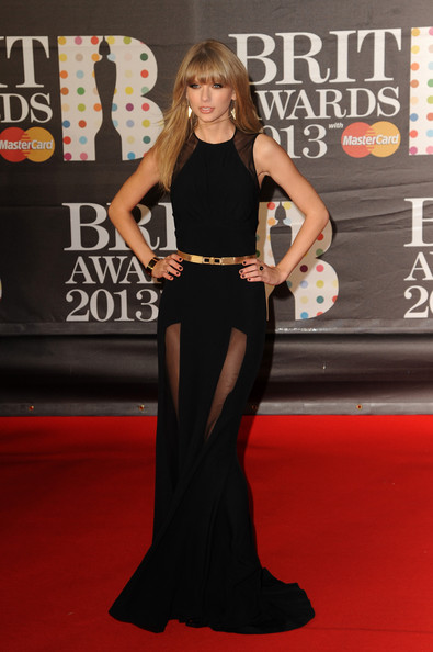 http://www4.pictures.stylebistro.com/gi/Brit+Awards+2013+Red+Carpet+Arrivals+o5jPK6j99fYl.jpg