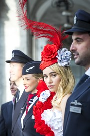 Suki Waterhouse did a British Airways photoshoot wearing a flower hat crafted from boarding passes! It was the perfect finishing touch to her paper gown!