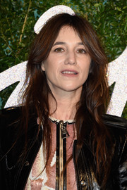 Charlotte Gainsbourg kept it casual with this messy-wavy 'do at the British Fashion Awards.