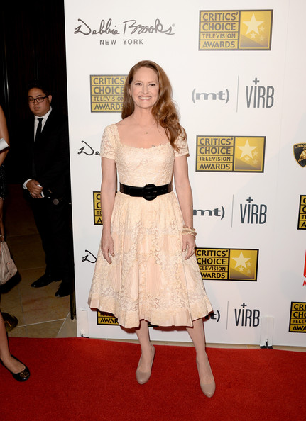 Melissa leo opted for a capped-sleeve nude colored lace dress for the Critics' Choice Television Awards.
