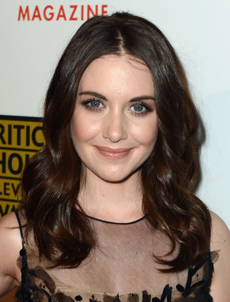 More Pics of Alison Brie Medium Wavy Cut (1 of 9) - Shoulder Length Hairstyles Lookbook - StyleBistro