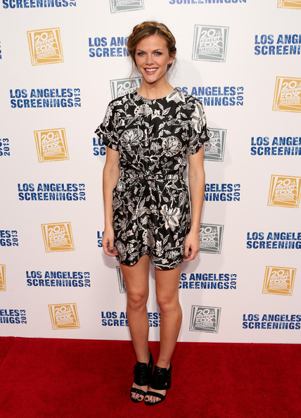 Brooklyn Decker Print Dress [clothing,carpet,red carpet,footwear,shoulder,fashion,dress,premiere,fashion model,joint,brooklyn decker,la,california,twentieth century fox studio lot,twentieth century fox television distribution,party,screenings,la screenings lot party]