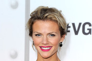 Brooklyn Decker's Wavy Loose Bun at Spike TV's 2011 Video Game Awards