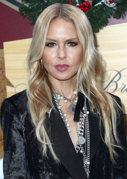 Rachel Zoe sported her usual long center-parted waves at the Brooks Brothers Holiday celebration.