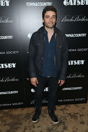 Oscar Issac kept his look casual but still stylish with this dark-wash denim jacket.