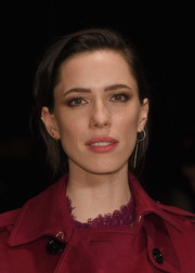 Rebecca Hall wore a simple side-parted 'do when she attended the Burberry fashion show.
