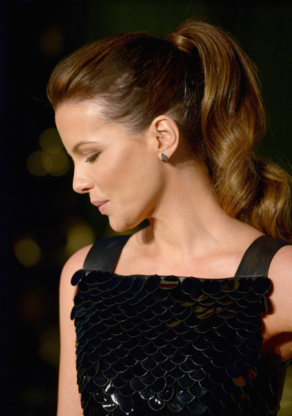 Kate Beckinsale made an appearance at the Burberry London in Los Angeles show wearing her signature girly ponytail.