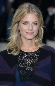 Melanie Laurent sported a casual yet chic mid-length wavy hairstyle at the Burberry Prorsum fashion show.