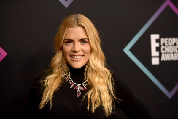 Busy Philipps Long Wavy Cut [hair,face,blond,beauty,hairstyle,pink,fashion,chin,lip,cheek,peoples choice awards,barker hangar,santa monica,california,arrivals,busy philipps]