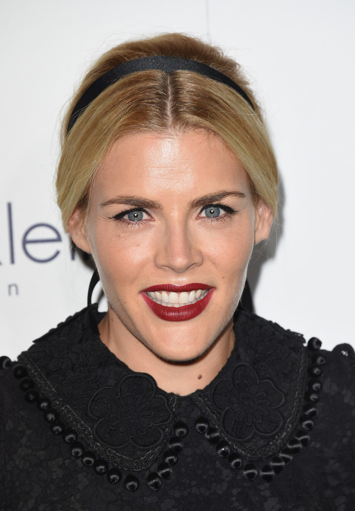Busy Philipps Chignon Busy Philipps Hair Looks Stylebistro