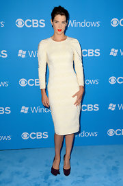 Cobie Smulders stunned in a long-sleeve off-white quilted dress.