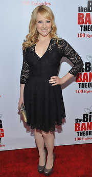 Melissa Rauch boosted her petite stature with ultra-glittery bronze platform pumps.